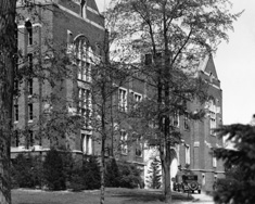 Current MSU Museum in black and white